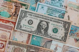 WooCommerce products in different currencies